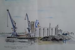 Lorient les grues du port vues de la gare maritime